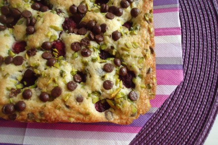 blondies-framboises-pistaches-et-chocolats-064