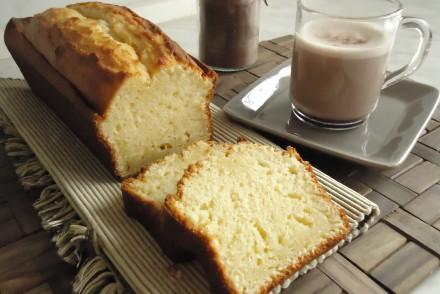 cake-au-yaourt-et-son-chocolat-chaud-maison-068